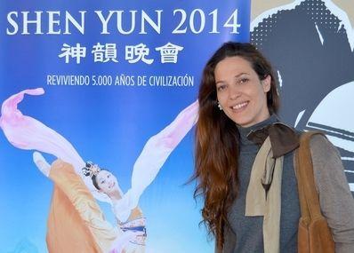 2014-4-14-minghui-shenyun-spain-05