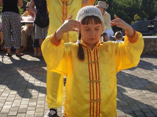 2014-8-26-minghui-falun-gong-ukrain-07