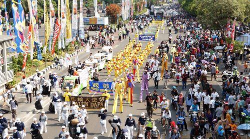 2014-10-21-minghui-falun-gong-jakarta-05