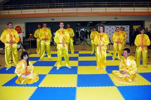 2014-10-21-minghui-falun-gong-moscow-festival2