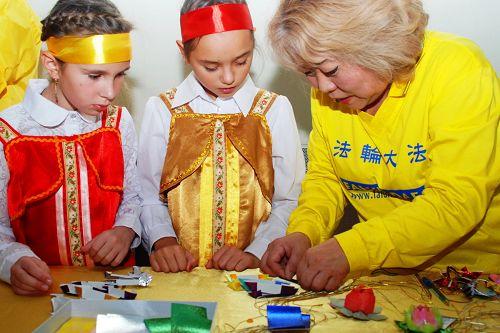 2014-10-21-minghui-falun-gong-moscow-festival7