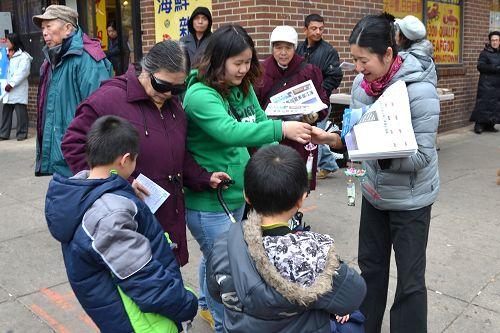 2014-11-18-minghui-philly-tuidang-1116-03