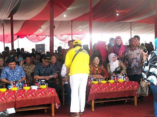 2014-11-3-minghui-falun-gong-indonesia-04