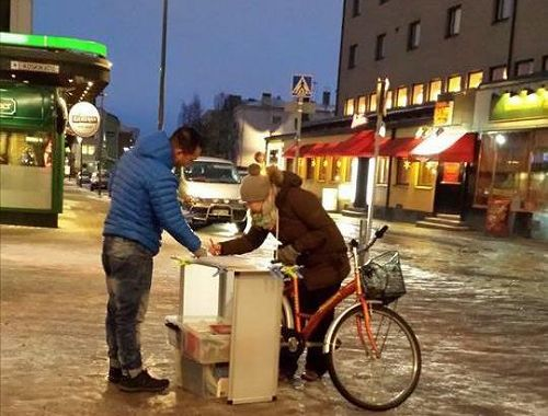 2014-12-11-minghui-finland-humanrightsday-03