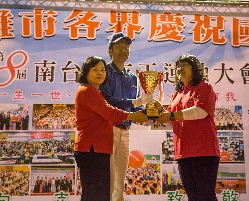 2014-12-6-minghui-falun-gong-gaoxiong-01