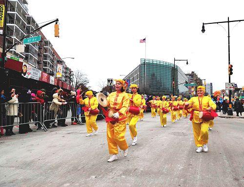 2015-2-23-minghui-newyork-parade-05