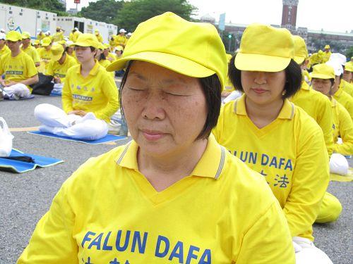 2015-4-22-minghui-falun-gong-tw425-04