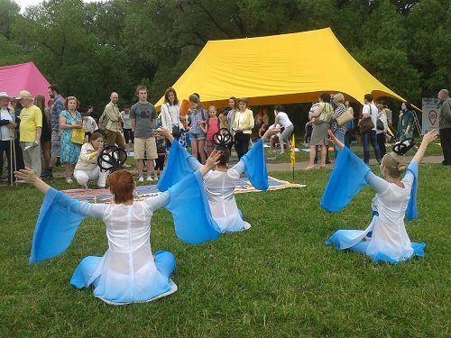 2015-7-10-minghui-falun-gong-russia-02